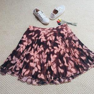 NWOT Floral Pleated Full Skirt (L)